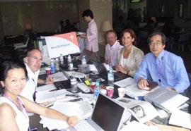国際メディアセンターにて、メディアに対する情報発信を中心とした活動を行うWVスタッフ